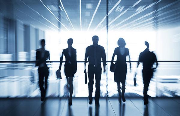职场中遇到调岗降薪时,该怎么办呢?